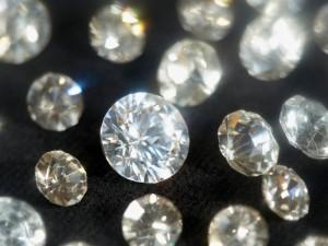 ダイヤモンド 買取り プロの鑑定士在籍 買取専門店 くらや松戸店